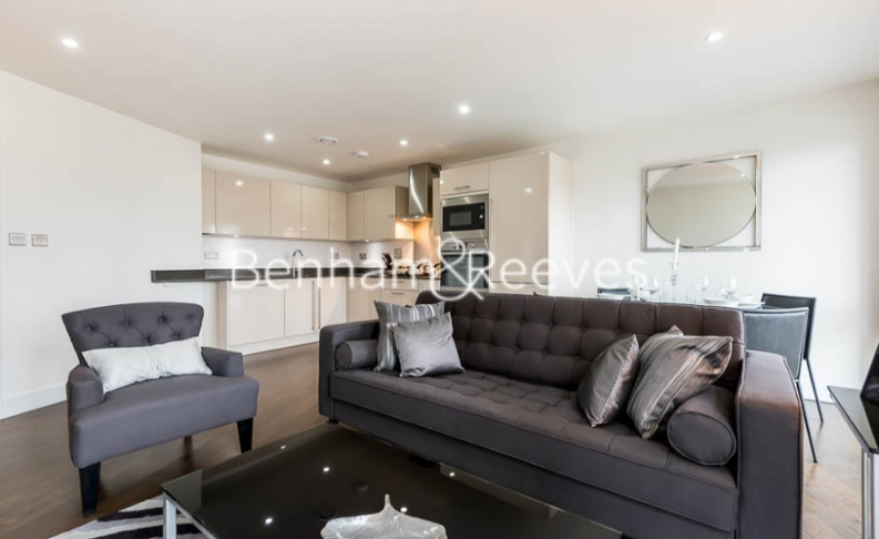 picture of 2-bed flat in  Surrey Quays