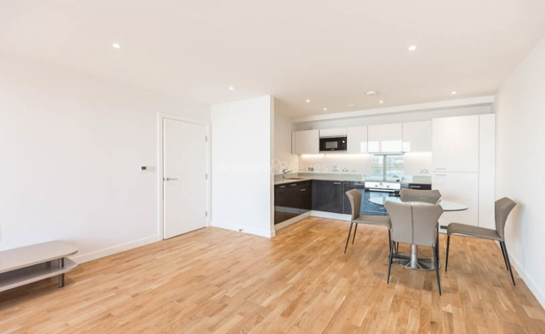 picture of 2 Bedroom(s) flat in  Octavius Street, Deptford, SE8