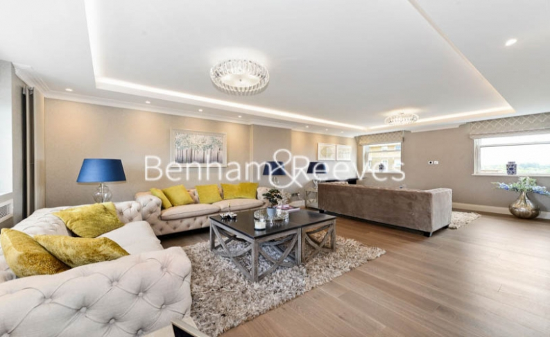 picture of 5-bed flat in  Hampstead