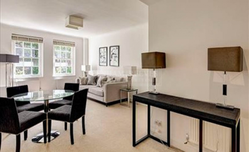 picture of 2 Bedroom(s) flat in  Fulham Road, Chelsea, SW3