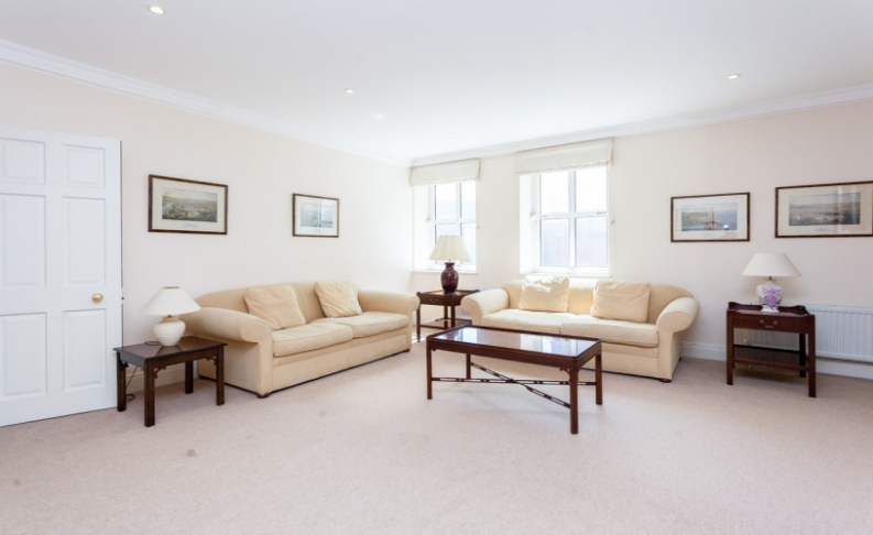 picture of 2 Bedroom(s) flat in  Jermyn Street, Mayfair, SW1
