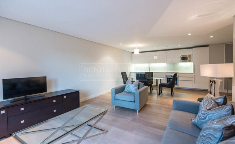 picture of 3 Bedroom(s) flat in  Merchant Square, Paddington, W2