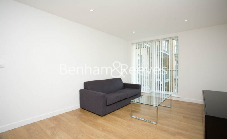 picture of 2 Bedroom(s) flat in  Caspian Wharf, Canary Wharf, E14