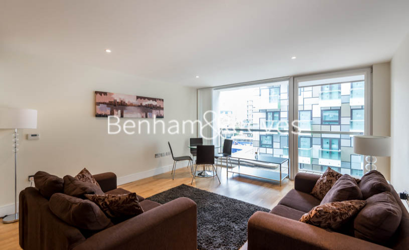 picture of 1 Bedroom(s) flat in  Millharbour, South Quay, E14