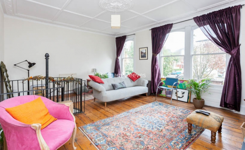 picture of 2-bed flat in  Highgate