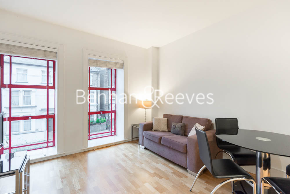 picture of 1 Bedroom(s) flat in  East Stand Apartments, Highbury stadium Square, N5