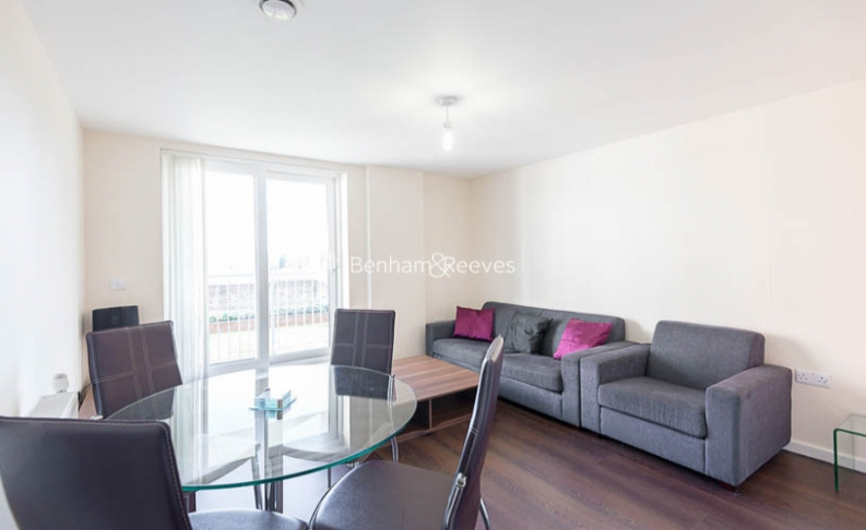 picture of 1 Bedroom(s) flat in  Lankaster Gardens, East Finchley, N2