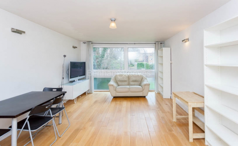 picture of 2 Bedroom(s) flat in  Alford House, Stanhope Road, N6