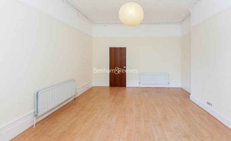 picture of 2 Bedroom(s) flat in  Whitehall Park, Archway, N19