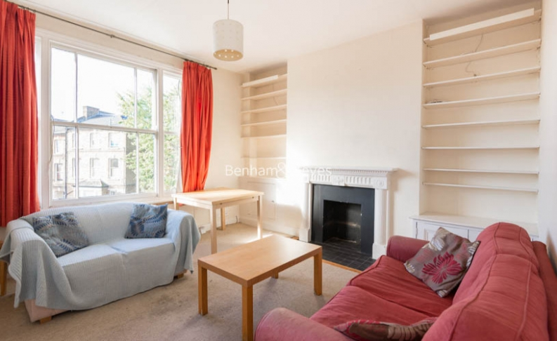 picture of 2 Bedroom(s) flat in  Pemberton Gardens, Archway, N19
