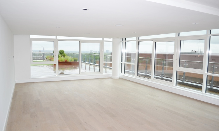 picture of 3 Bedroom(s) flat in  Belgravia House, Dickens Yard W5