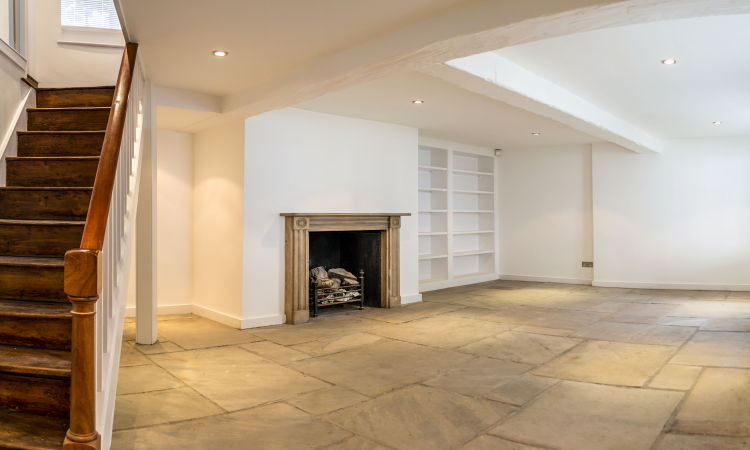 picture of 2 Bedroom(s) flat in  Golden Yard NW3