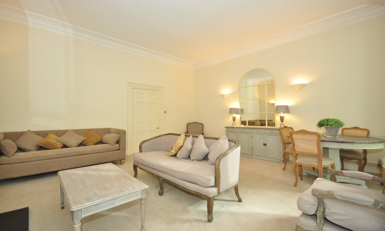 picture of 1 Bedroom(s) flat in  Kensington Square, W8