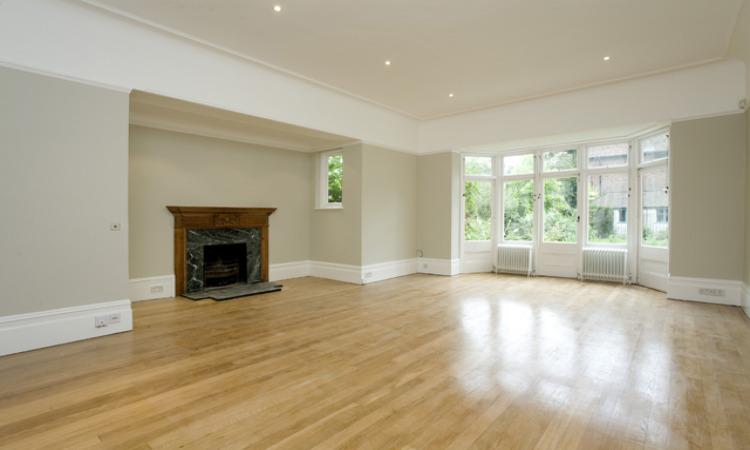 picture of 5 Bedroom(s) flat in  Stormont Road N6