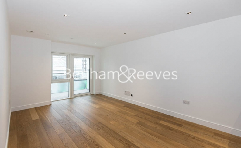 picture of 2 Bedroom(s) flat in  Longfield Avenue, Ealing, W5