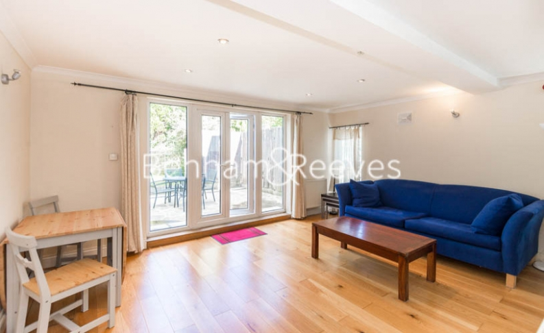 picture of 1 Bedroom(s) flat in  Madeley Road, Ealing, W5