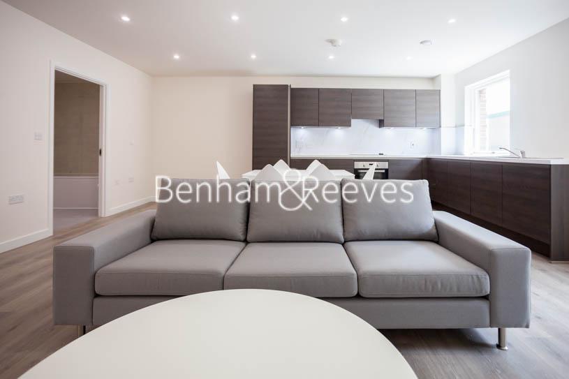 picture of 3 Bedroom(s) flat in  Lensview Close, Harrow, HA1