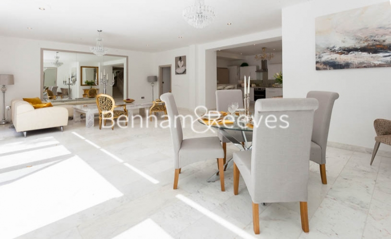 picture of 3 Bedroom(s) flat in  Montpelier Road, Ealing, W5