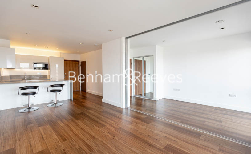 picture of 1 Bedroom(s) flat in  Longfield Avenue,Ealing,W5