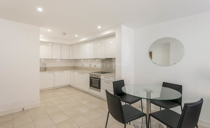 picture of 1 Bedroom(s) flat in  Putney Square, Chartfield Avenue, SW15