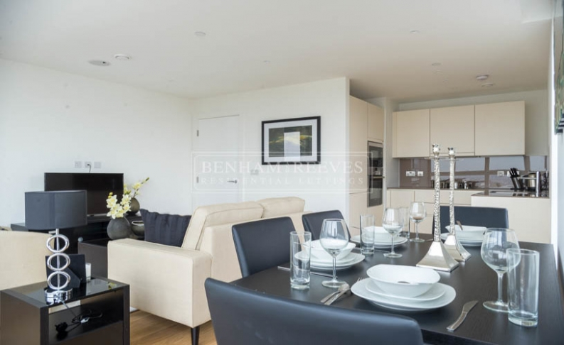 picture of 2 Bedroom(s) flat in  London Square, Putney, SW15