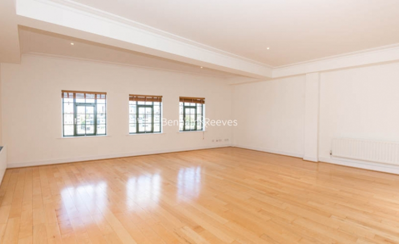 picture of 2 Bedroom(s) flat in  Harrods Village, Barnes, SW13