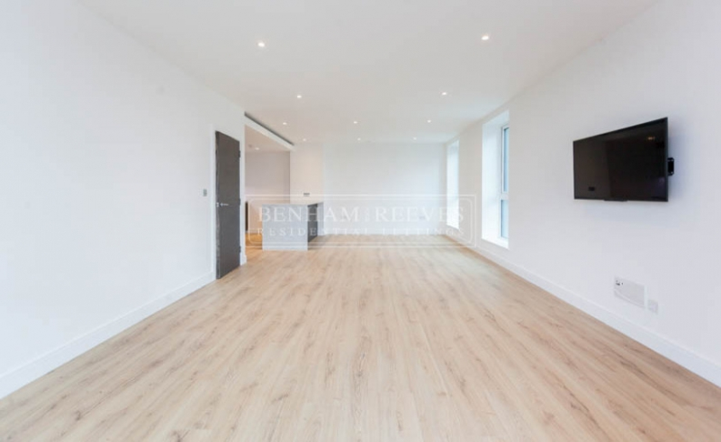 picture of 2 Bedroom(s) flat in  Sovereign Court, Hammersmith, W6
