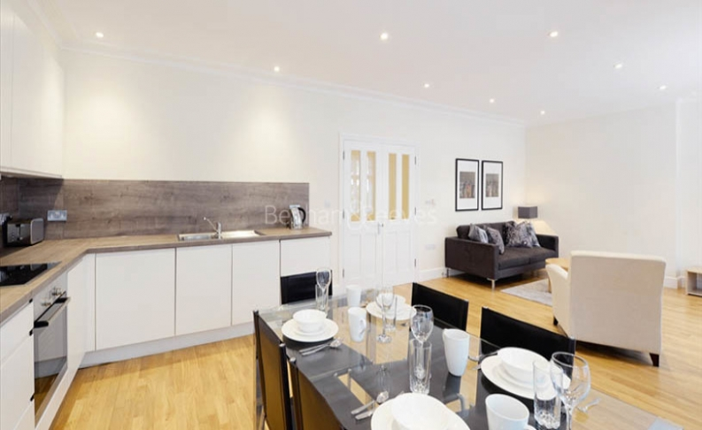 picture of 2 Bedroom(s) flat in  Hamlet Gardens, Hammersmith, W6