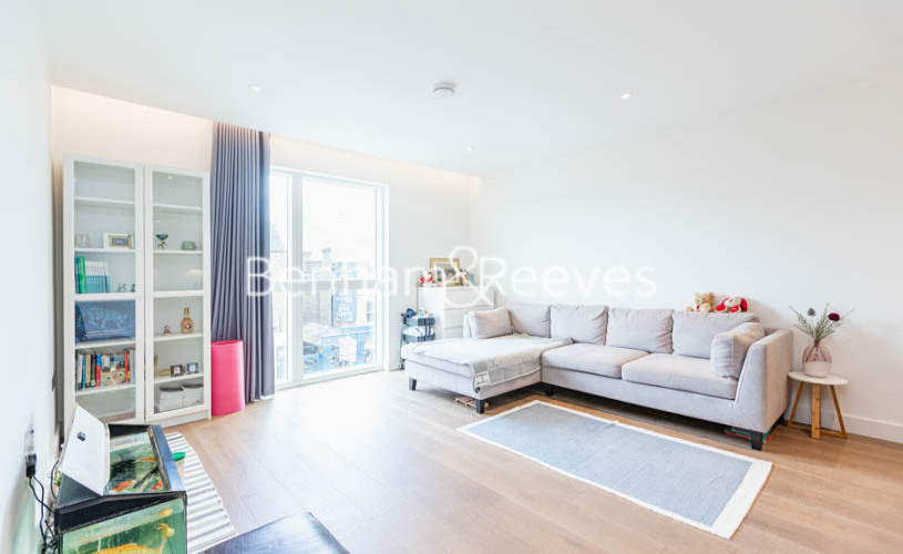 picture of 2 Bedroom(s) flat in  Fulham High Street, Parsons green ,SW6