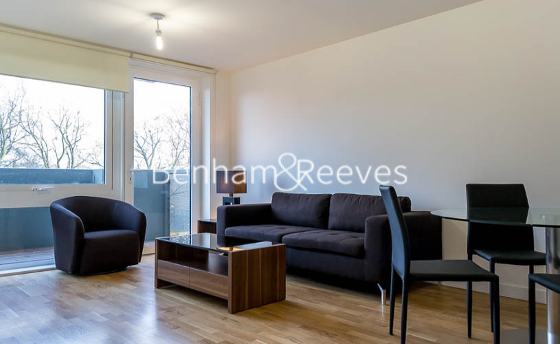 picture of 2 Bedroom(s) flat in  Killick Way, Stepney Green, E1