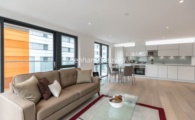 picture of 2 Bedroom(s) flat in  Kensington Apartments, Cityscape, Commercial Street, E1