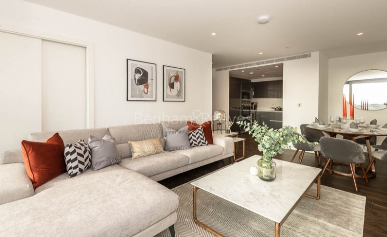 picture of 3 Bedroom(s) flat in  Lavender Building, Royal Mint Gardens, E1