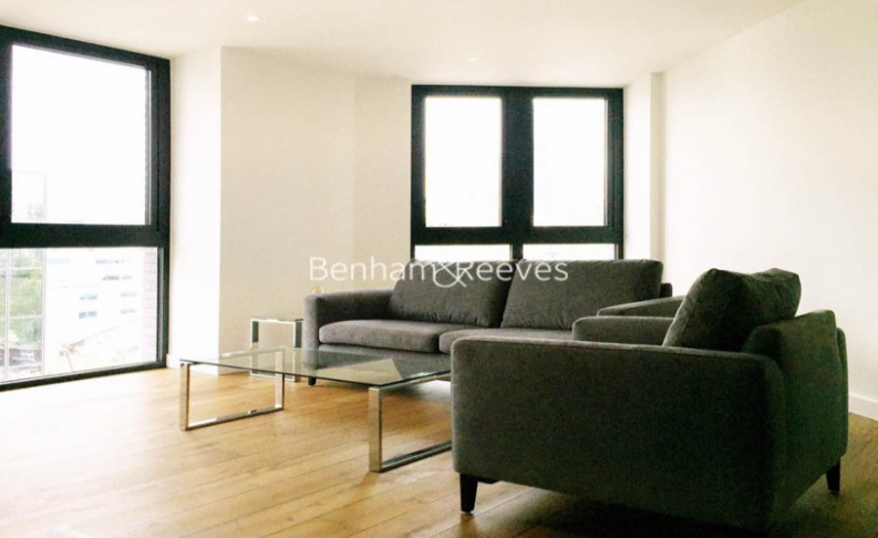 picture of 2 Bedroom(s) flat in  Emery Wharf, London Dock, Wapping, E1W