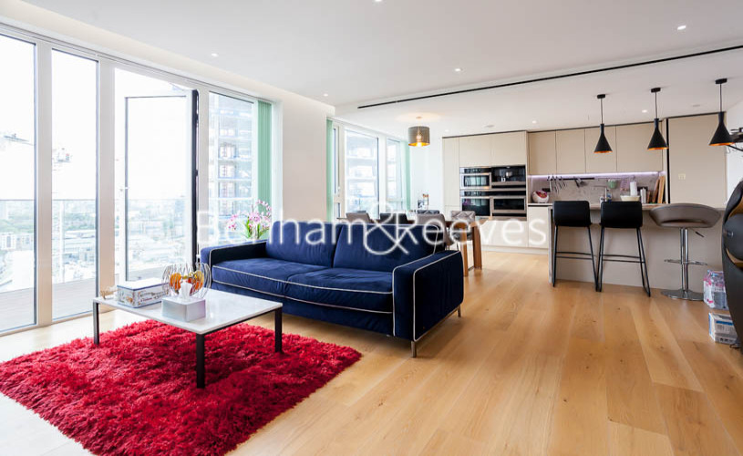 picture of 2 Bedroom(s) flat in  Admiralty House, London Dock, Wapping, E1W