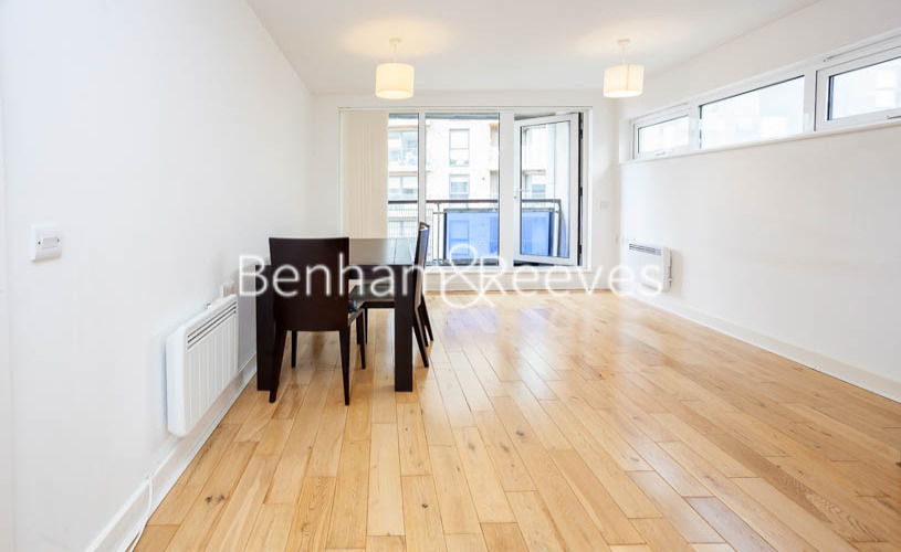 picture of 2 Bedroom(s) flat in  Tarves Way, Greenwich, SE10