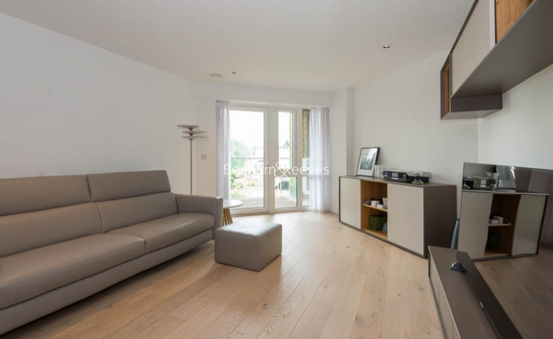 picture of 2 Bedroom(s) flat in  Kew Bridge, Brentford, TW8