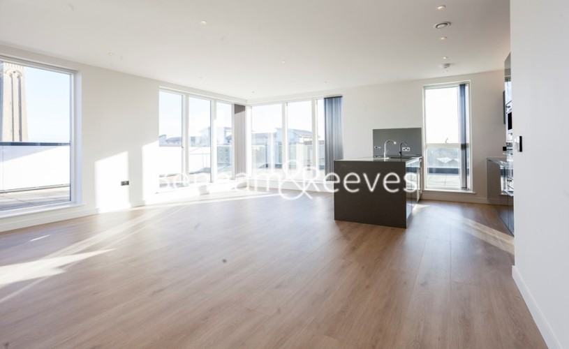 picture of 3 Bedroom(s) flat in  Heritage Place, Brentford, TW8