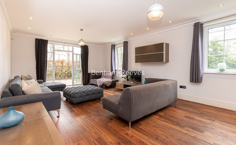 picture of 2 Bedroom(s) flat in  Kew Riverside, Kew, TW9