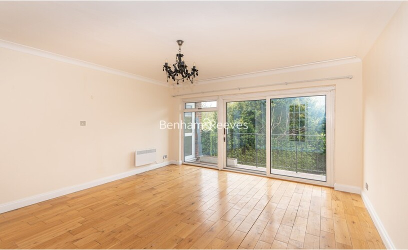 picture of 2 Bedroom(s) flat in  Forsyte Court, Thames KT2