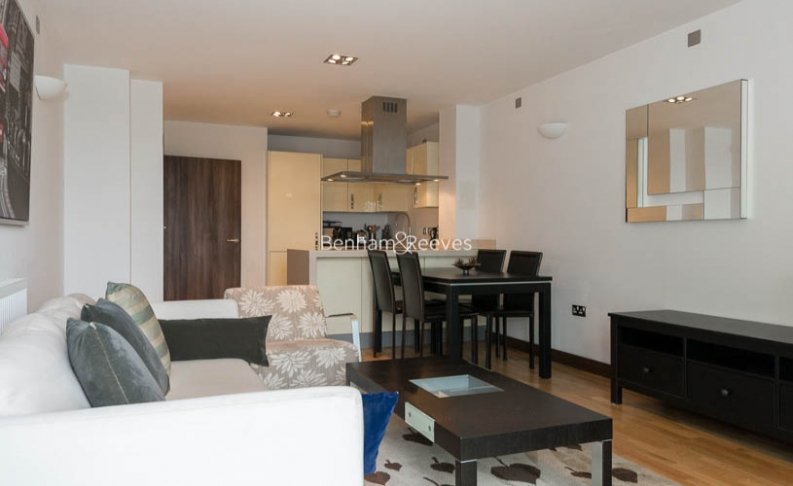 picture of 1 Bedroom(s) flat in  Bridges Court Road, Battersea, SW11