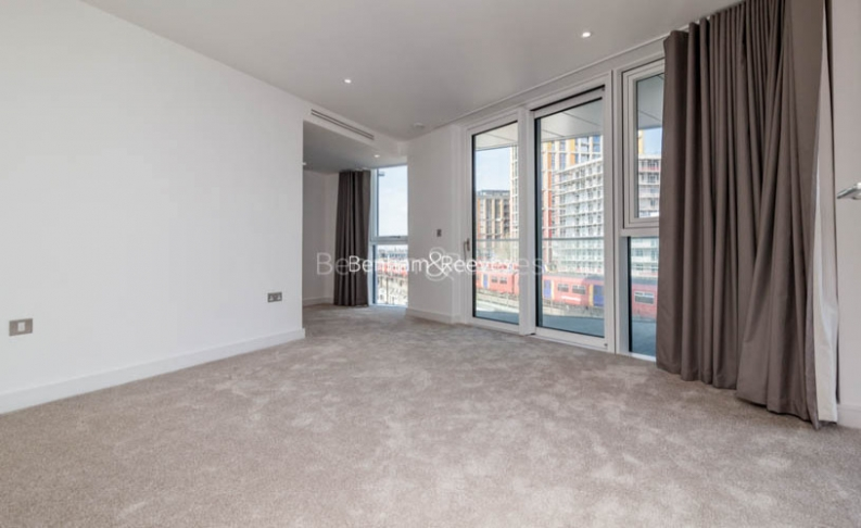 picture of 3 Bedroom(s) flat in  Nine Elms Point, Nine Elms, SW8