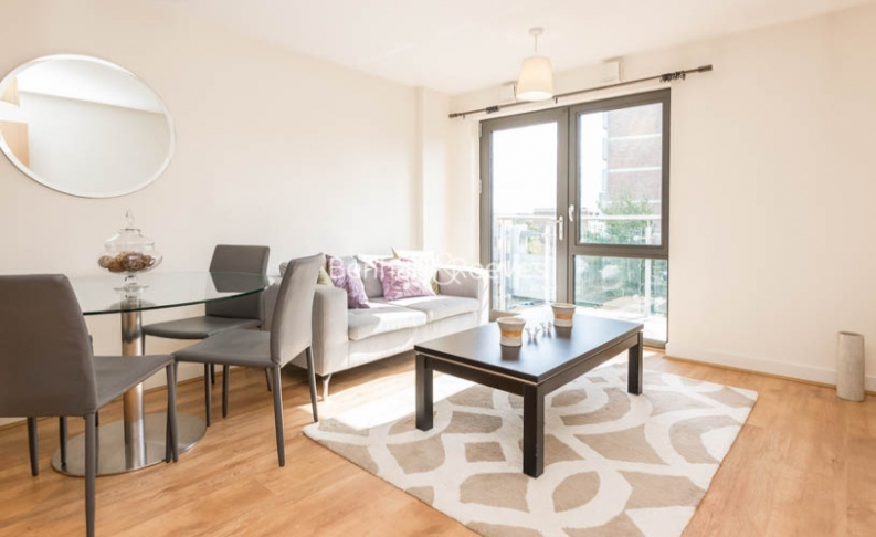picture of 1 Bedroom(s) flat in  Gwynne Road, Nine Elms, SW11