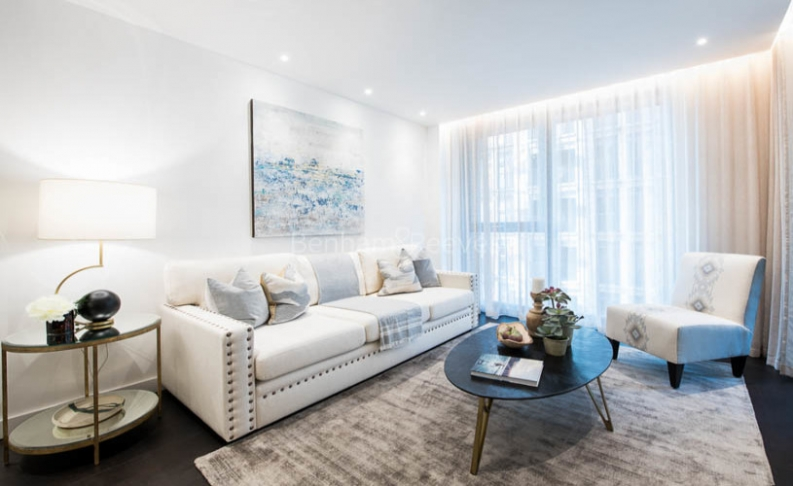 picture of 2 Bedroom(s) flat in  Charles Clowes, Nine Elms, SW11
