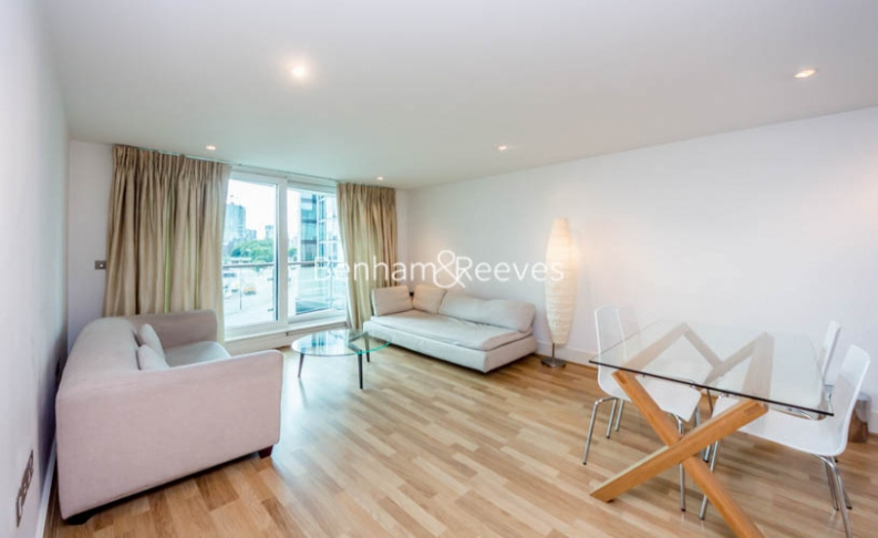 picture of 2 Bedroom(s) flat in  Flagstaff House, St. George Wharf, SW8