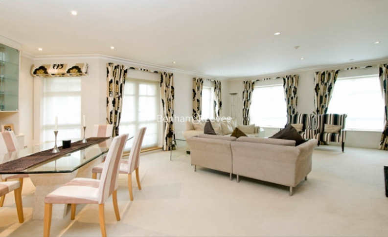 picture of 3 Bedroom(s) flat in  Hampstead Way, Golders Green, NW11