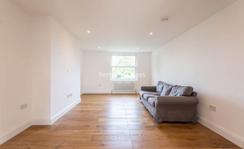 picture of 3 Bedroom(s) flat in  Haverstock Hill, Belsize Park, NW3