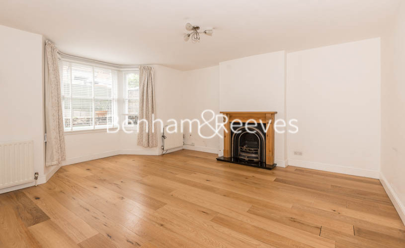 picture of 1 Bedroom(s) flat in  Carlingford Road, Hampstead, NW3