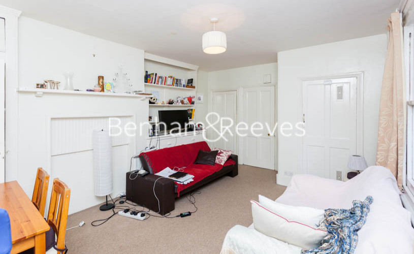 picture of 1 Bedroom(s) flat in  Heath Hurst Road, Hampstead Heath, NW3
