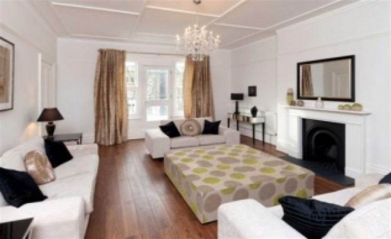 picture of 4-bed flat in  Hampstead