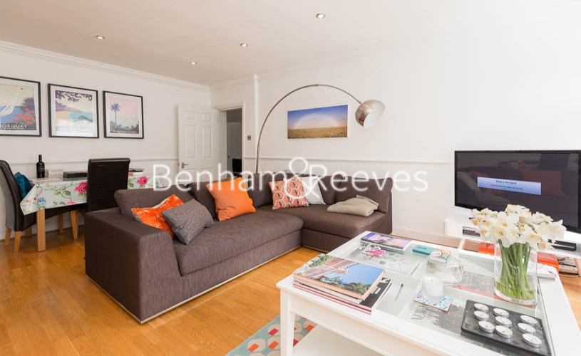 picture of 2 Bedroom(s) flat in  Hogarth Court, North End Road, NW3